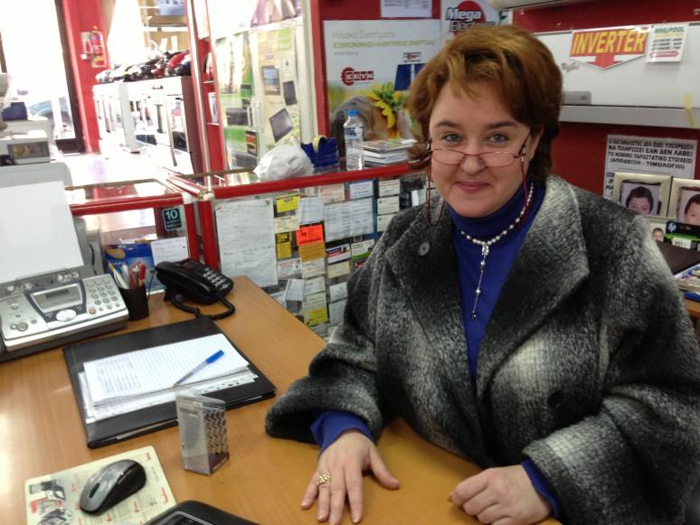 """Elektroverkäuferin und Deutschlehrerin Elena Karchalidou: """"Viele wollen hier weg."""""""
