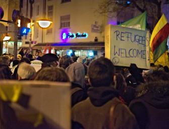 Asyl-Proteste & Willkommens-Parties: Ist Deutschland verrückt geworden?